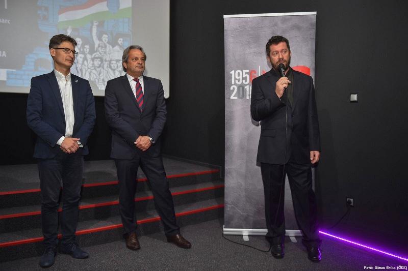 Matuz János, a Vörösmarty Színház művészeti intendánsa a produkció részleteit ismertette